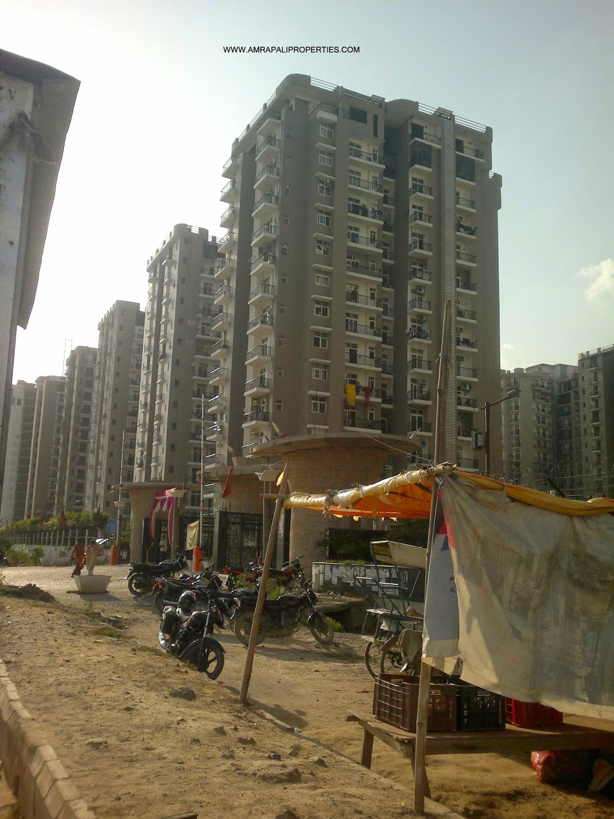 Amrapali Zodiac :: Construction Status September 30, 2014