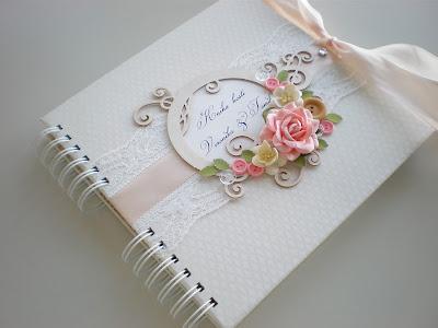 Svadobná kniha hostí s gombíkmi / Wedding guest book