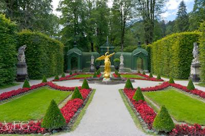 Los jardines del Castillo de Linderhof en Alemania