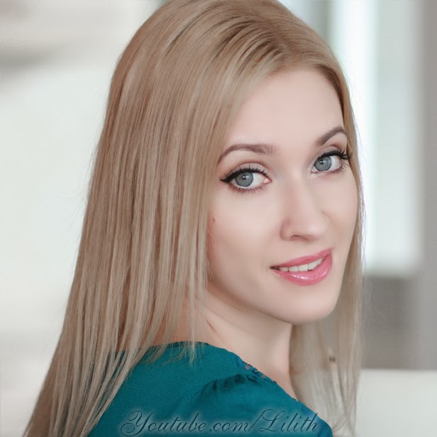 Lilith Moon: New hair color: dark blonde, or how to tone down bleached ...