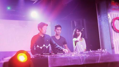Pertunjukan DJ Performance EP