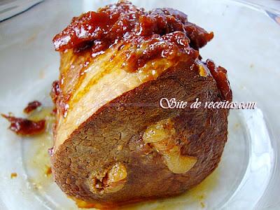 Carne de panela com recheio de bacon