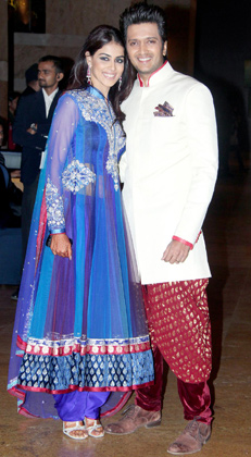 1 - Ritesh and Genelia at Vashu Bhagnani's daughter Honey Bhagnani's sangeet