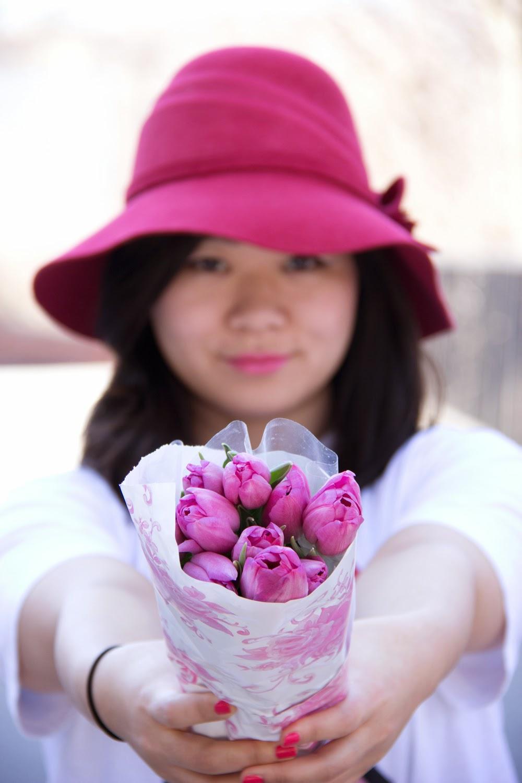Anthropologie-vintage-hat, Tulip-Flowers, fashion-blogger