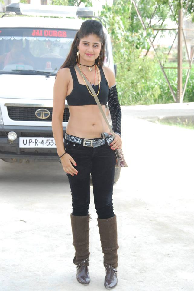 Bhojpuri Actress Neha Shree Very Hot & Sexy Style Navel Show Photo in Black Dress