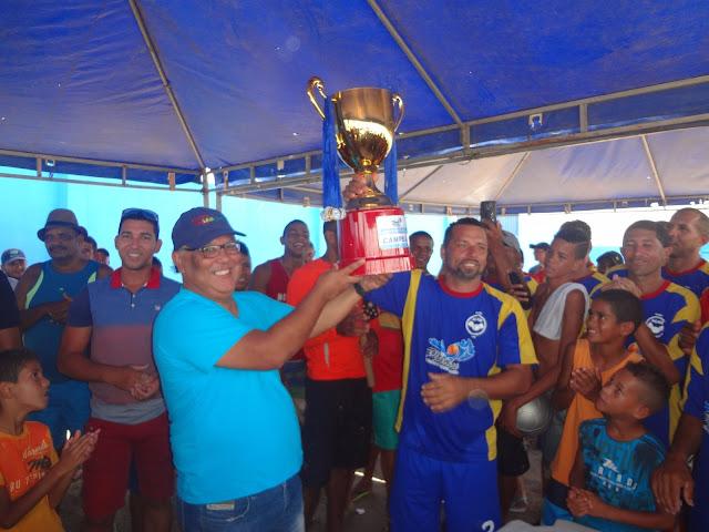 http://www.blogdofelipeandrade.com.br/2015/10/prefeitura-de-pitimbu-promoveu-grande.html
