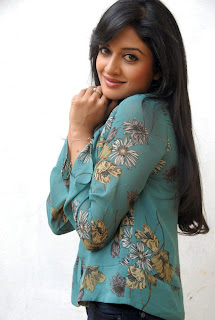 Vimka Raman looks beautiful in jeans and green top