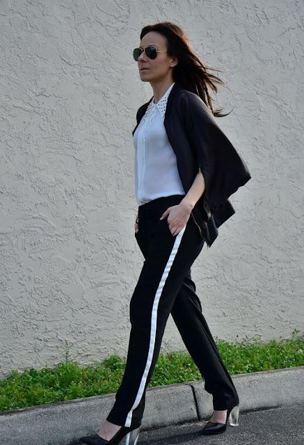 pantalón sport negro y blanco