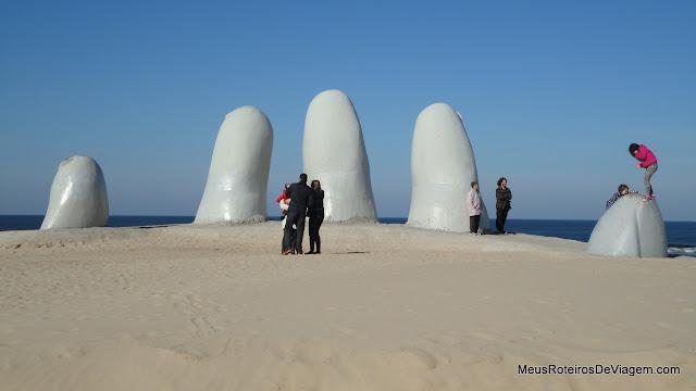 Monumento los Dedos - Punta del Este