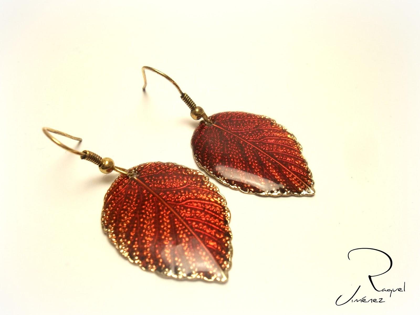 pendientes hojas rojas