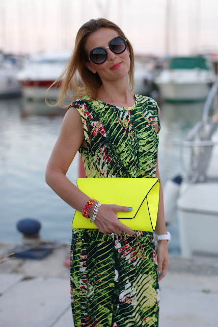 Kenzo Jungle print dress, round sunglasses, Zara neon clutch, Fashion and Cookies