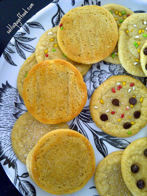 Soliloquy Of Food & Such:   Soft & Chewy Old Fashioned Sugar Cookies | www.soliloquyoffood.com