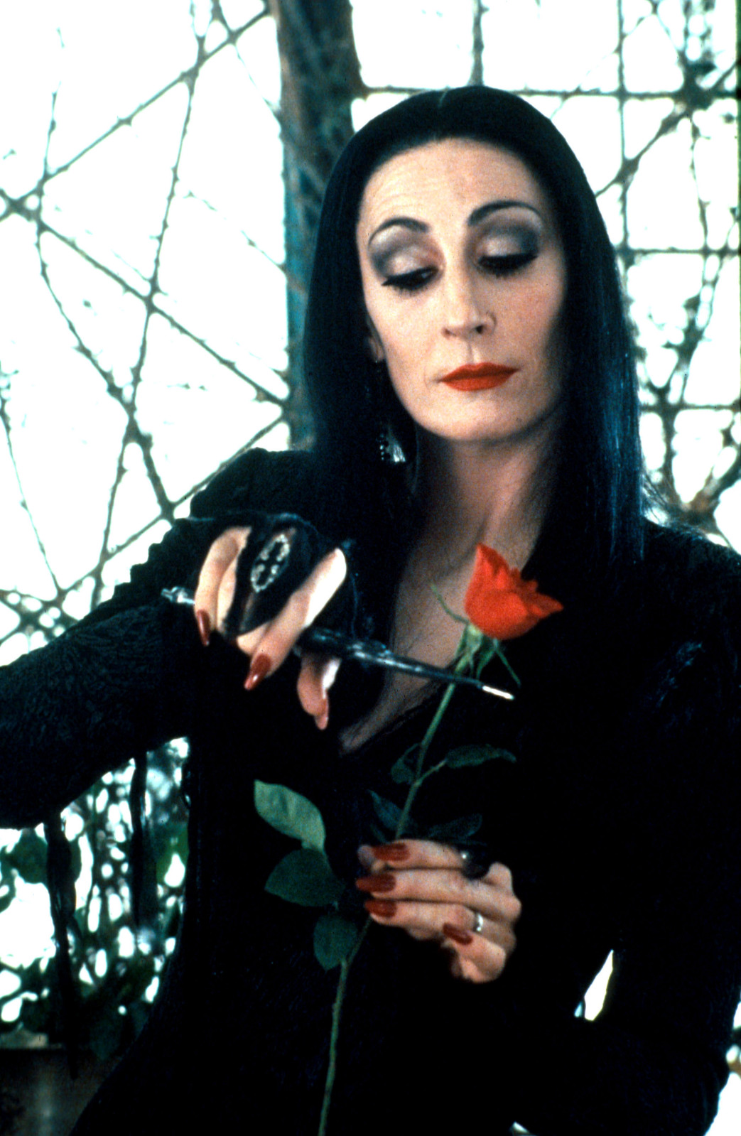 Family roses cutting addams morticia Women's Addams