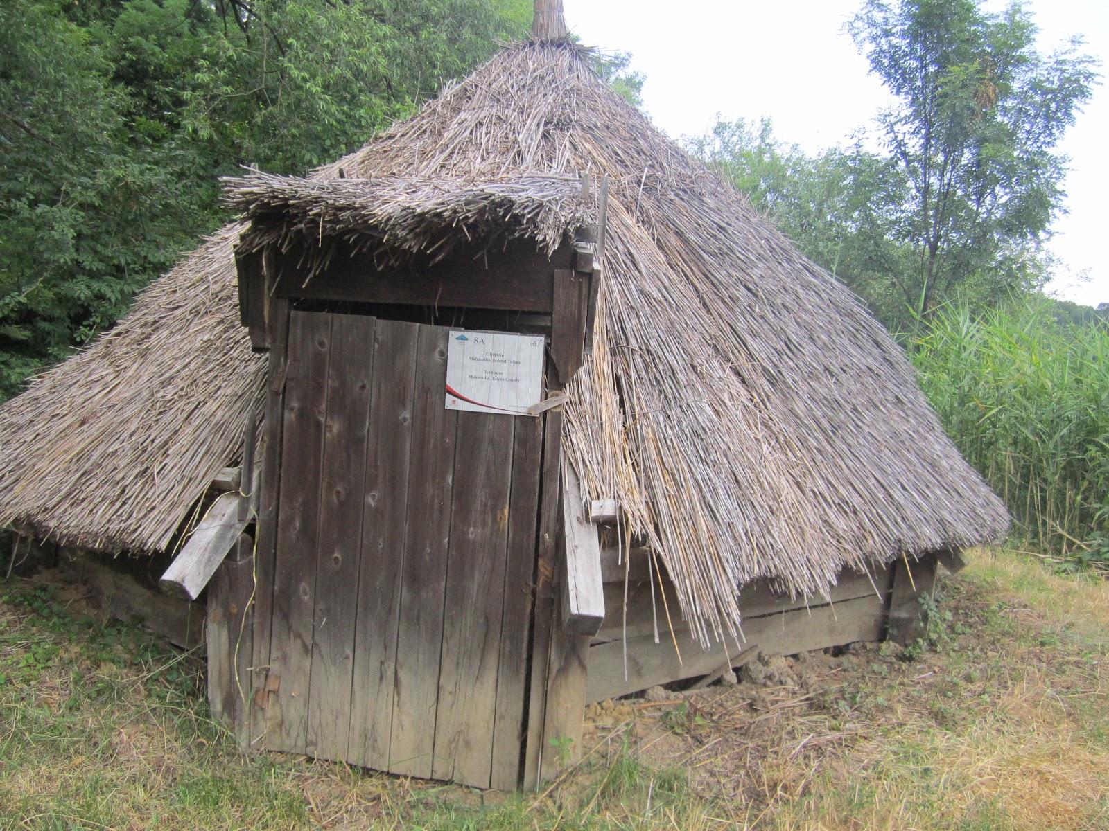 Roaming in romania - Romanian peasant houses ...