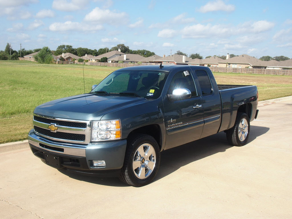 For Sale  22 988   2011 Chevrolet Silverado 1500 LT only 11k miles