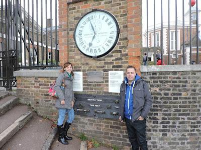 Primer reloj que mostró al público la hora GMT
