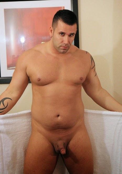 homens gay nus