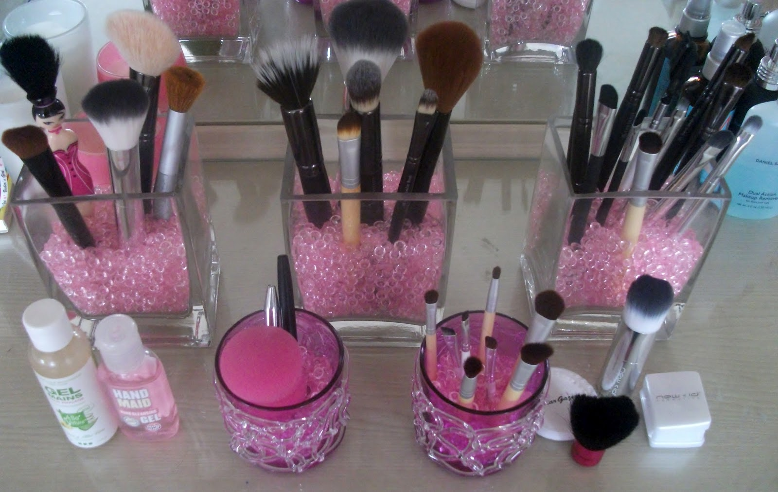 brush holder beads. drinktillwedrop-drinktillwedie asked: where would i be able to find a nice make up brush holder? holder beads r