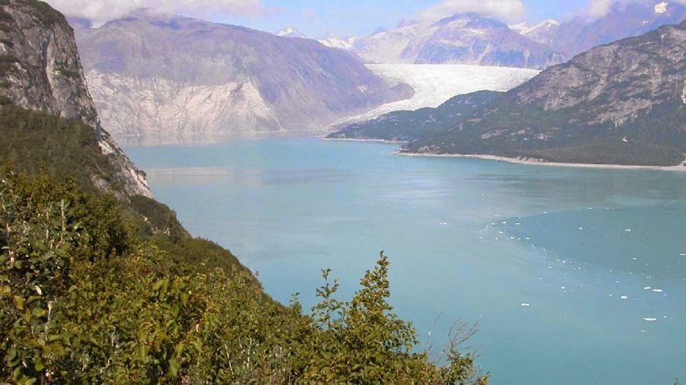 Las huellas del cambio climático en Alaska durante más de 100 años Muir+Glacier+and+Inlet+(2004)+-+Photos+of+Alaska+Then+And+Now.+This+is+A+Get+Ready+to+Be+Shocked+When+You+See+What+it+Looks+Like+Now.