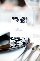 Tischkarten Namenskarten Hochzeit in schwarz-weiß mit Ornament-Stoff, do it yourself - Wedding black and white on a budget