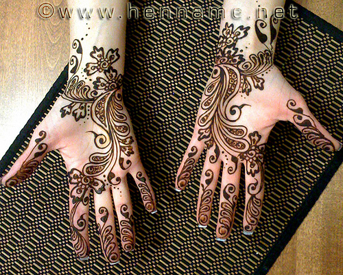 pakistani henna mehndi designs on hands mehndi designs. Black Bedroom Furniture Sets. Home Design Ideas