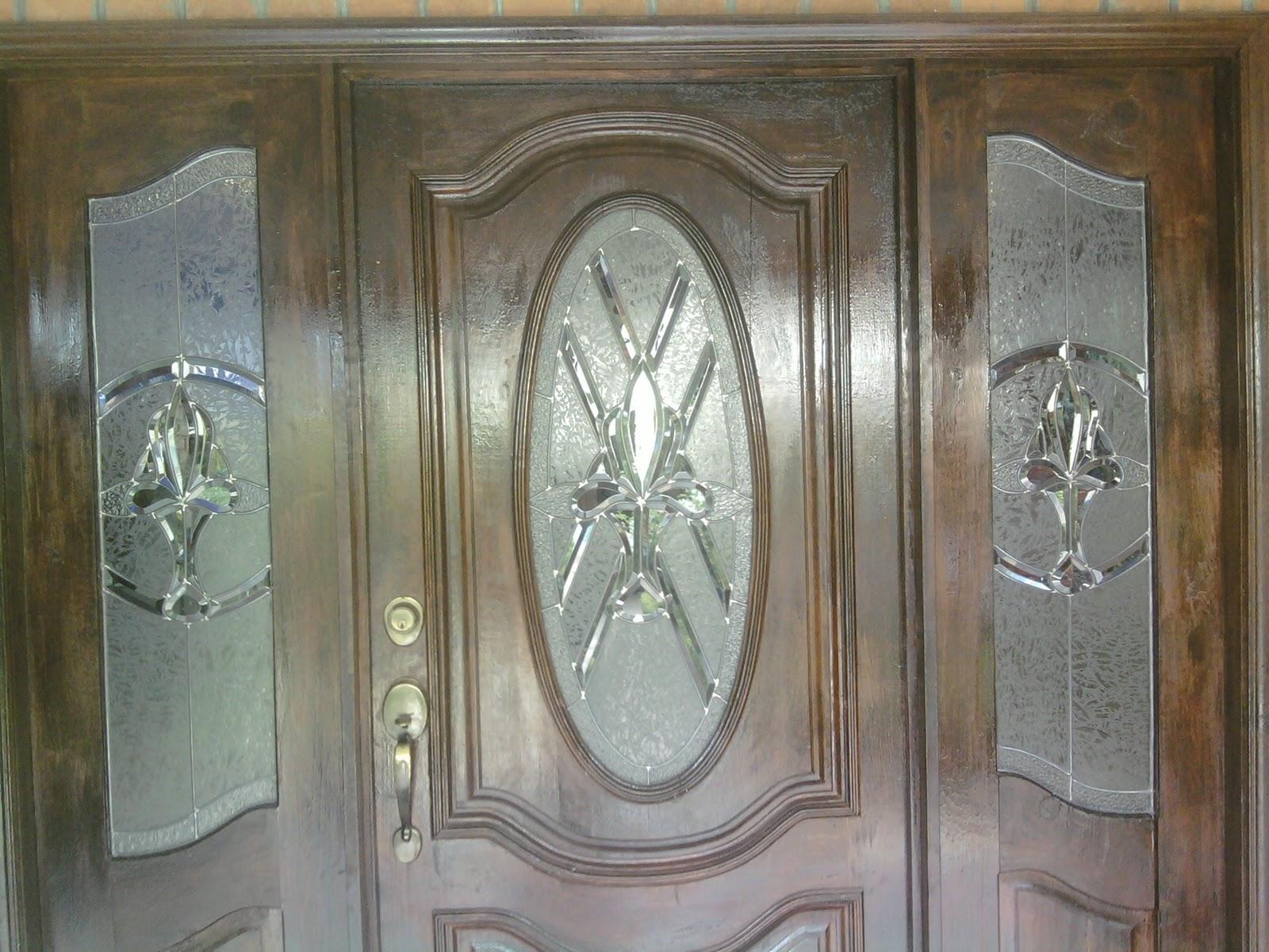 Vitrales para puertas de madera auto design tech for Catalogo de puertas de madera