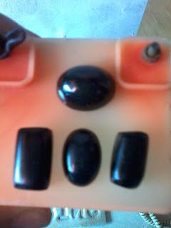 lumpur batu black opal