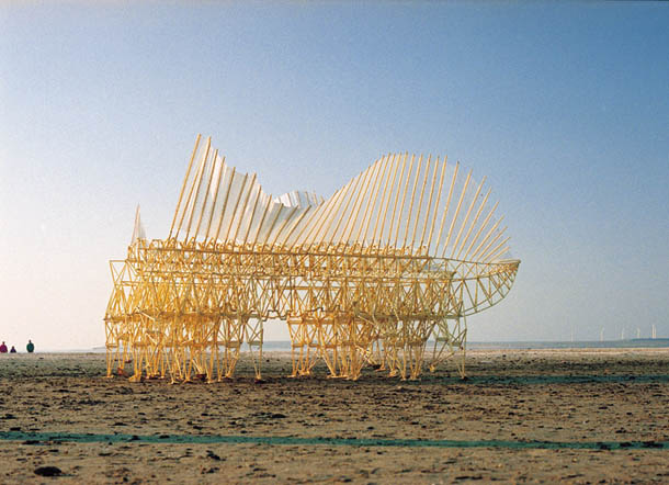 Strandbeests - esculturas cinéticas de Theo Jansen