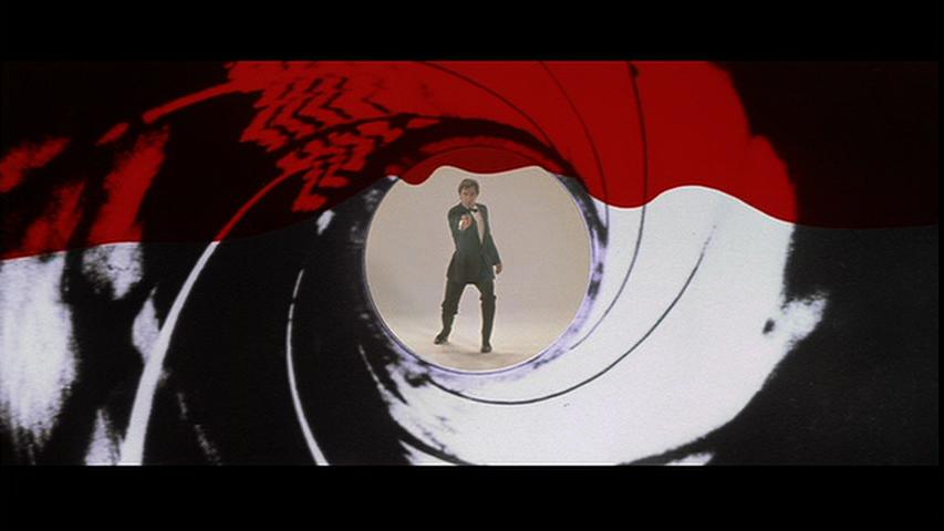 http://3.bp.blogspot.com/-gW7VffBqhoU/UCvMr-ZSebI/AAAAAAAAFKE/0e2X2C3kCew/s1600/The-Living-Daylights-James-Bond-Timothy-Dalton-gun-barrel.png