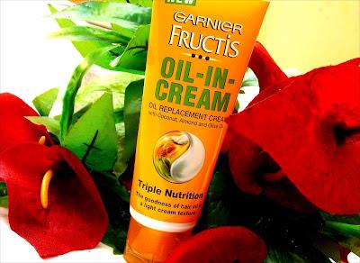 Garnier Fructis Oil-In-Cream review, Garnier Oil-In-Cream review, Oil in cream review India, How to control frizzy hair, Frizzy control hair