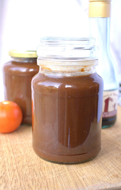 Homemade Balsamic Tomato Ketchup - low sugar so you can put it on everything without the guilt!
