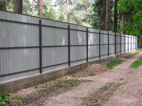 Забор из профнастила советы