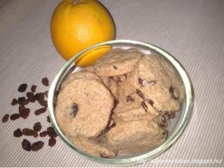 mazsolás keksz, keksz teljes kiörlésű liszt, egészséges keksz, teljes kirörlésű keksz