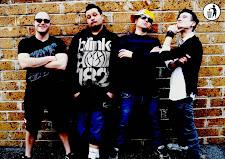 """Startrash. """"Siamo la migliore punk band del mondo…"""". Il gruppo sotto contratto in California"""