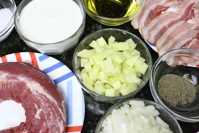 Ingredientes para rollitos de solomillo con salsa de nata y manzana
