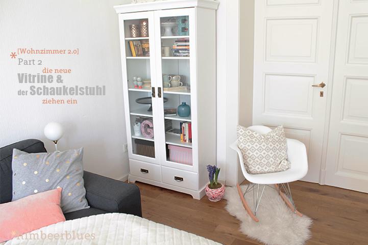 Himbeerblues wohnzimmer 2 0 vitrine und armchair for Eames replica schaukelstuhl