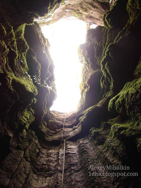 Входной колодец пещера Кастере.