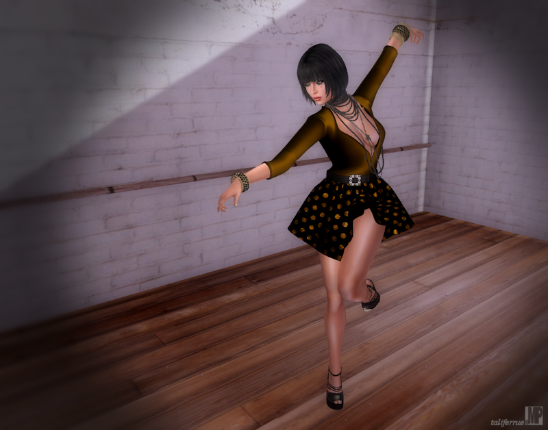 Second Life Virtual Fashion for Women