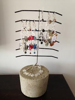 Smyckeshållare, smyckesträd, smycken, armband, knappar