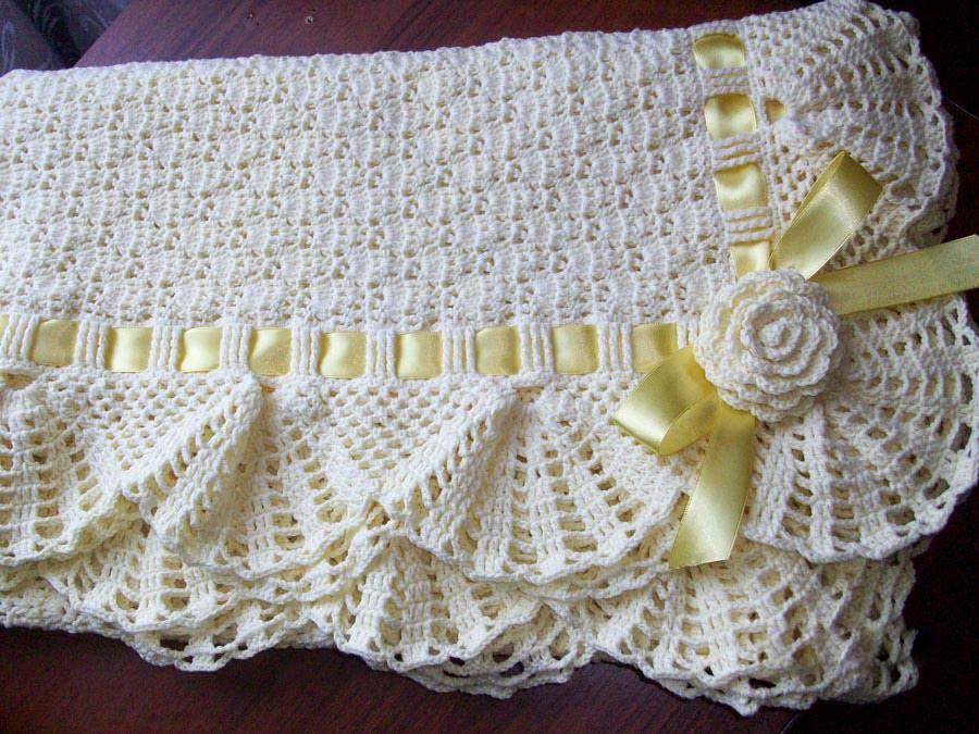 Crochet Patterns For Baby Shawls And Blankets : DE MIS MANOS TEJIDOS Y MAS...: VESTIDO PARA NENA Y MANTA ...
