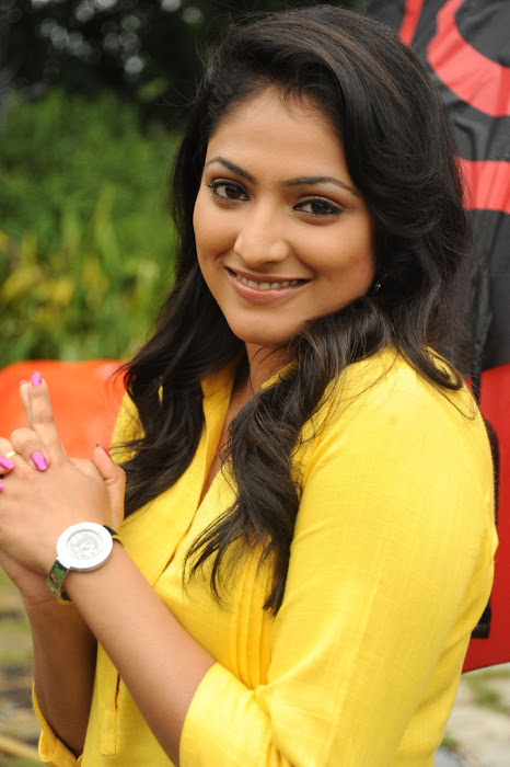 hari priya photo gallery