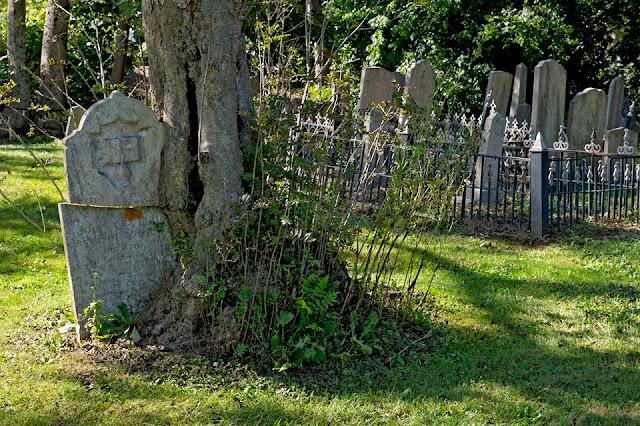 Nova Scotia; Lunenberg; Graveyard; Tombstone