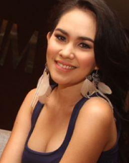 Setelah penampilannya yang seksi di film 'Nenek Gayung', Kartika Putri ...