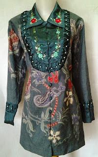 Foto Model Baju Batik Semi Formal