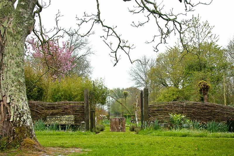 visite du jardin de silence a pousse once upon a time in meyilo 39 s world caen. Black Bedroom Furniture Sets. Home Design Ideas