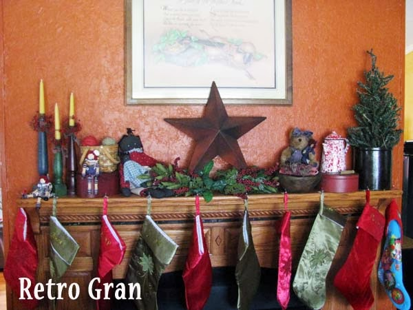 Homespun Christmas Mantle