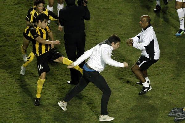 Pelea entre Santos y Peñarol