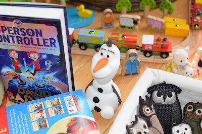 Philips SoftPal Olaf light - Christmas Gift Guide 2015 - Emma in Bromley