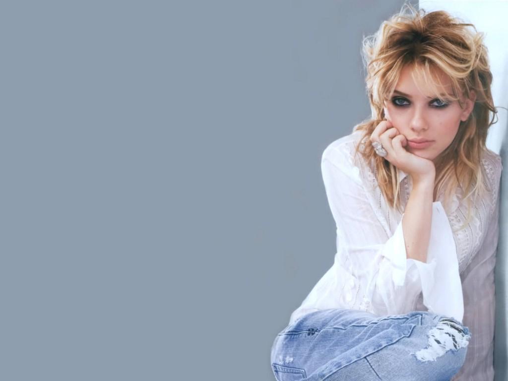 http://3.bp.blogspot.com/-gYoEOut-3u8/Tx-E2Ms0z2I/AAAAAAAAEb8/sdbBVyhok74/s1600/Scarlett_Johansson_wallpapers_4.jpg