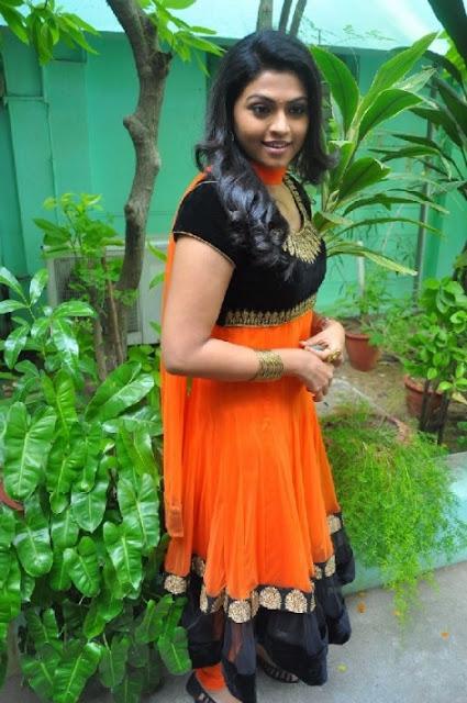 Actress Nanthana Latest Photos In Dress 03